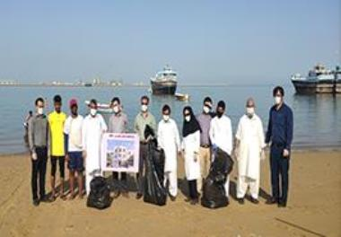 Cleaning the shores of the Oman Sea (Chabahar